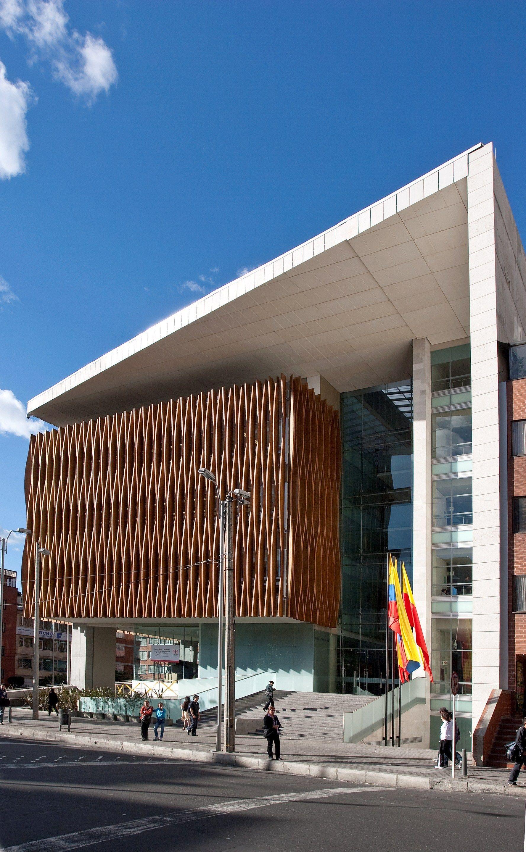 Edificio c mara de comercio sede chapinero daniel for Arquitectura moderna en colombia