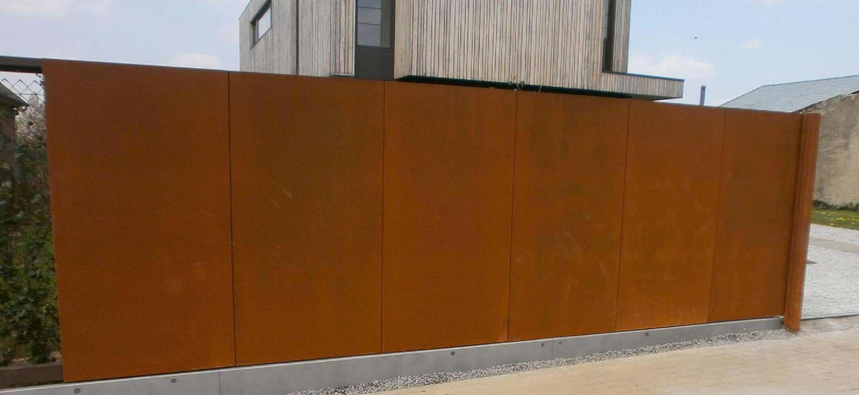 portail vdv corten m145 idees portail coulissant moderne contemporain pinterest corten. Black Bedroom Furniture Sets. Home Design Ideas