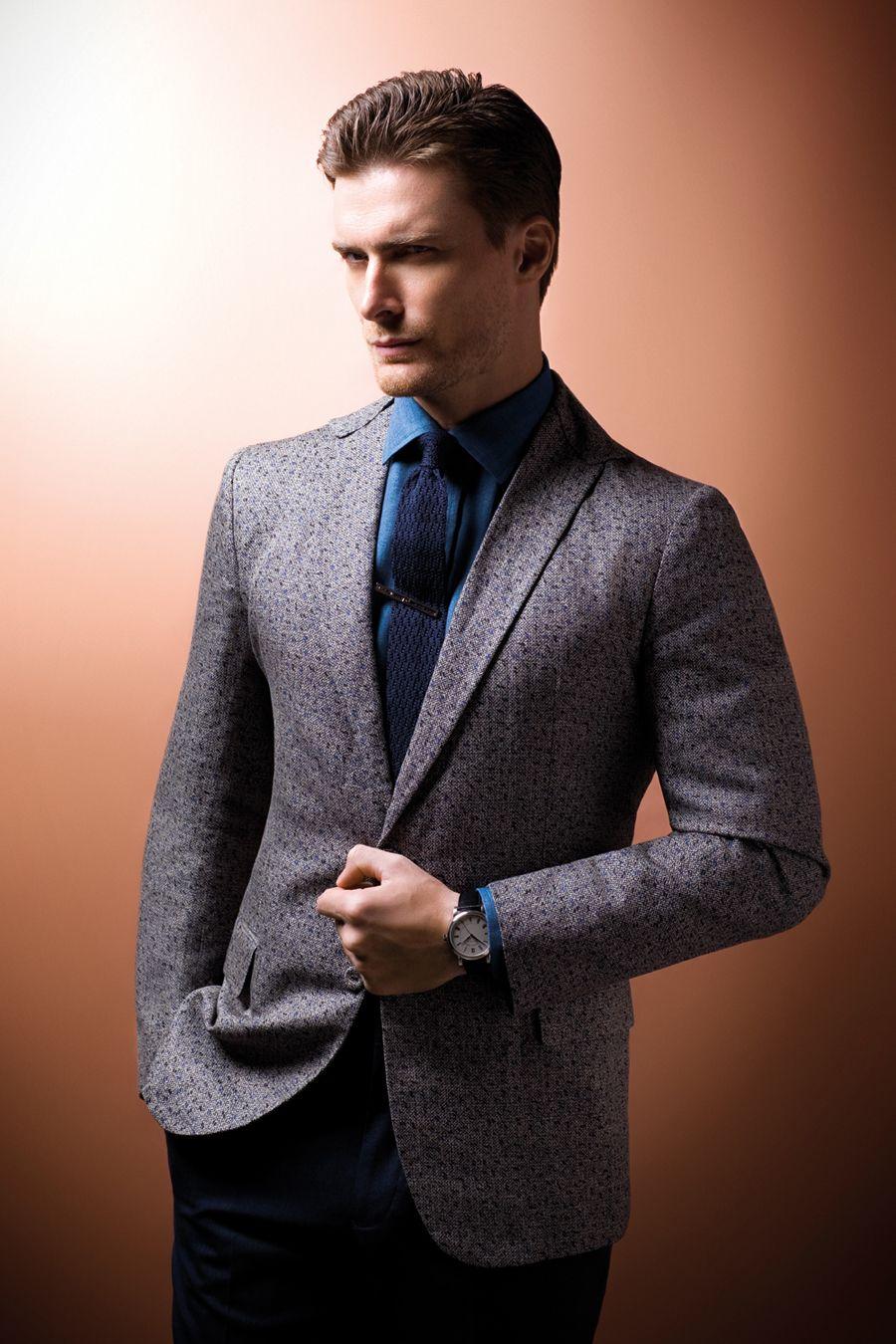 grey suit navy blue shirt dress yy