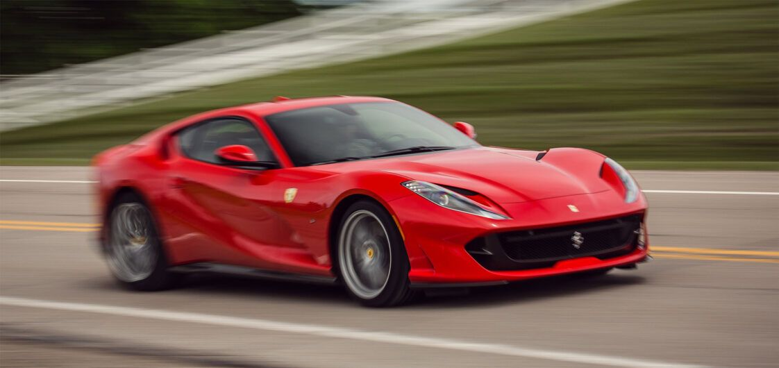 Ferrari: la nuova supercar ibrida avrà 1000 CV e debutterà a fine maggio