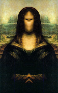 there is an eye hiding behind mona lisa