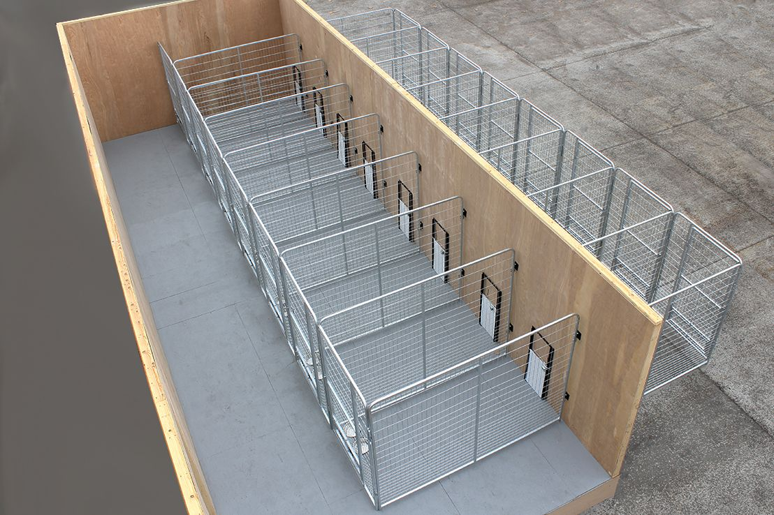 Multiple Pro Dog Kennels These Inside Outside Dog Kennels Are A Great Way To Kennel Pets That Ne Dog Boarding Facility Dog Kennel Designs Dog Breeding Kennels