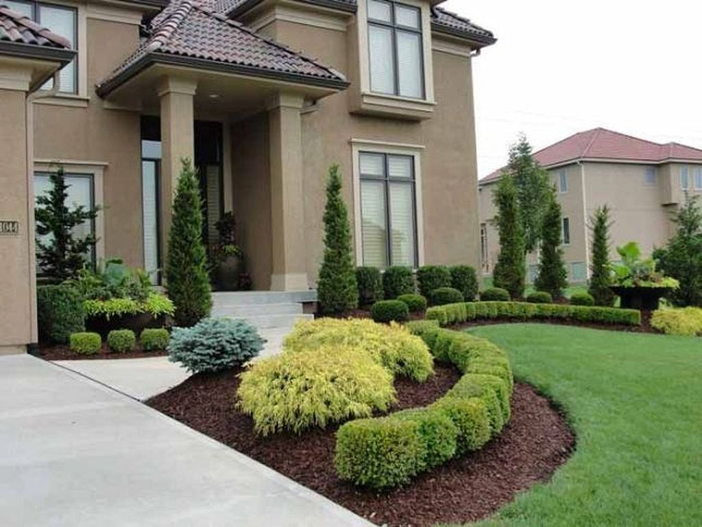 9 Ideas For Small Cheap And Low Maintenance Gardens Low Ideas Small Bea Residential Landscaping Small Front Yard Landscaping Front Yard Landscaping Design