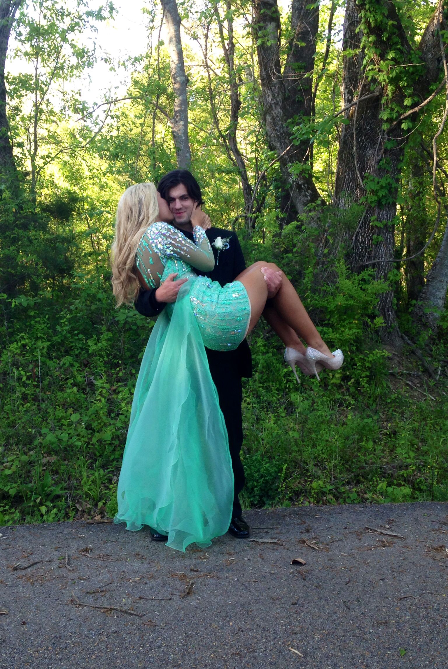 how to dance at prom without grinding