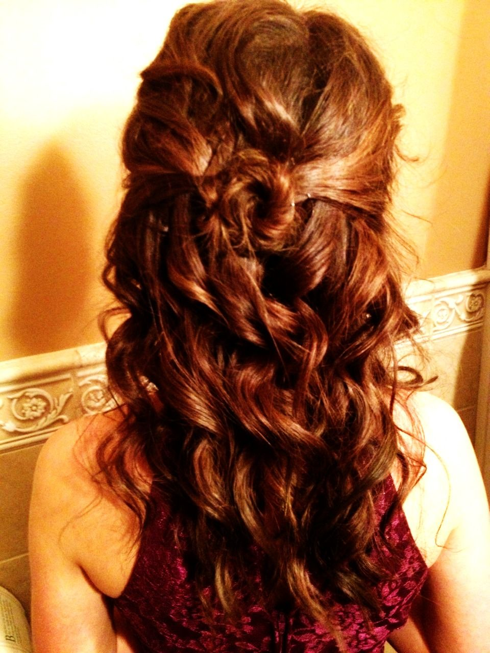 a hairstyle i did for madeline's christmas ball. <3