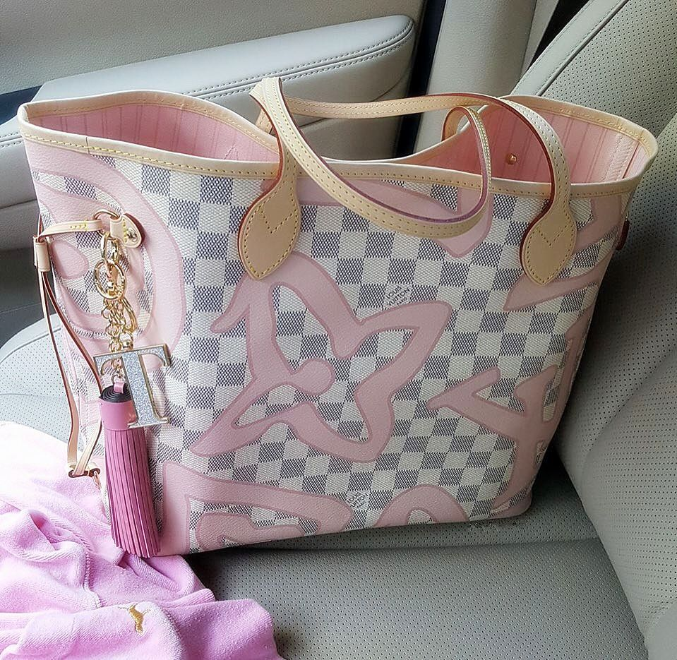 7f080fd8a95 2017  Louis  Vuitton  Neverfull MM N41050 White. feminine feel for summer  in Damier Azur canvas overlaid with a surprising Monogram print