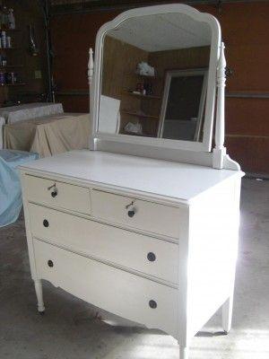 White Antique Dresser With Mirror
