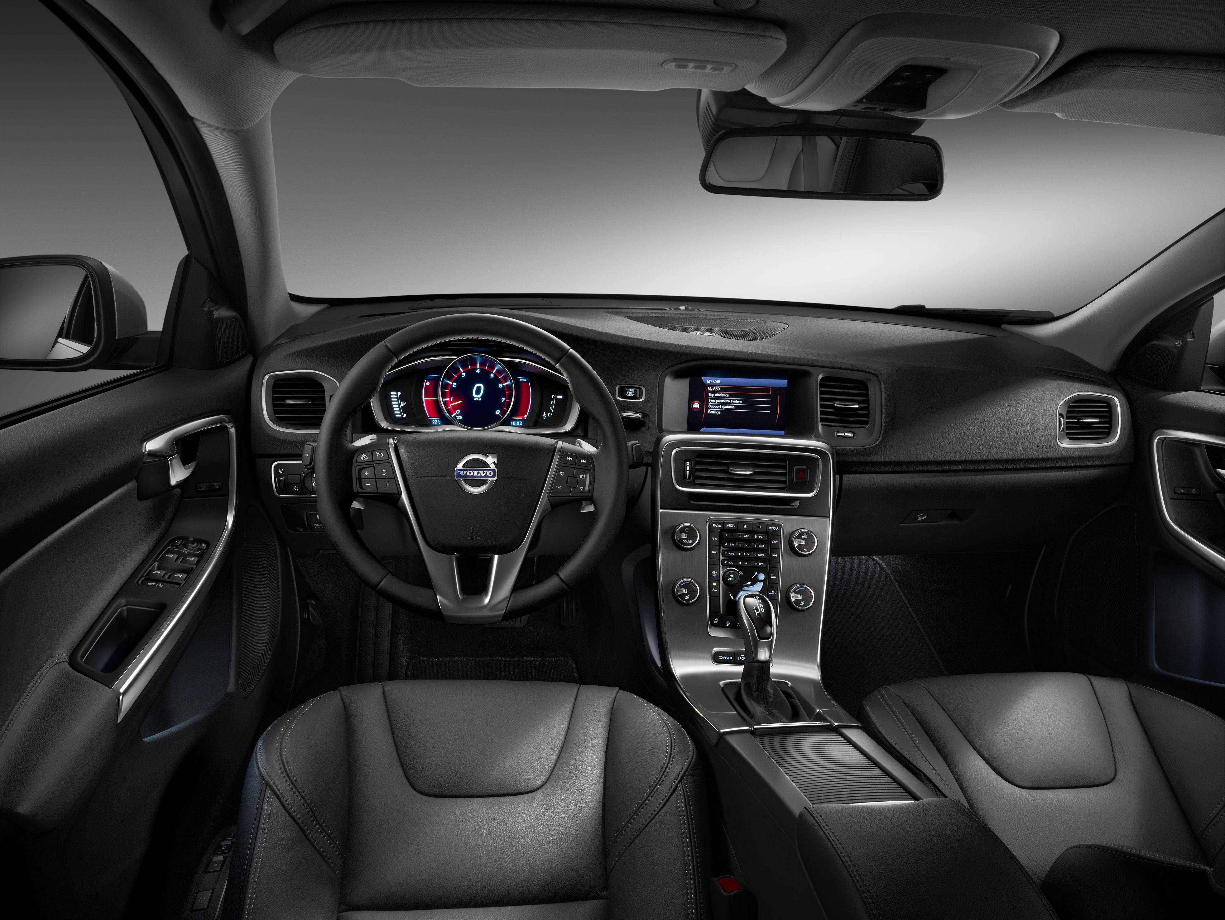 2015 volvo r design interior