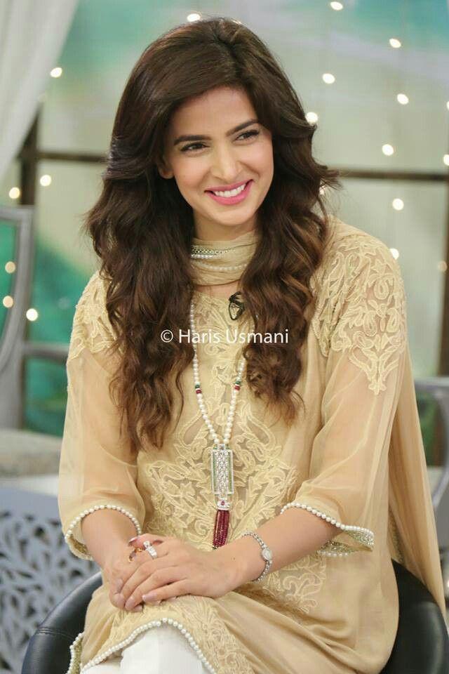 e27788311b Dress and hair | South Asian women's dresses | Pakistani actress ...