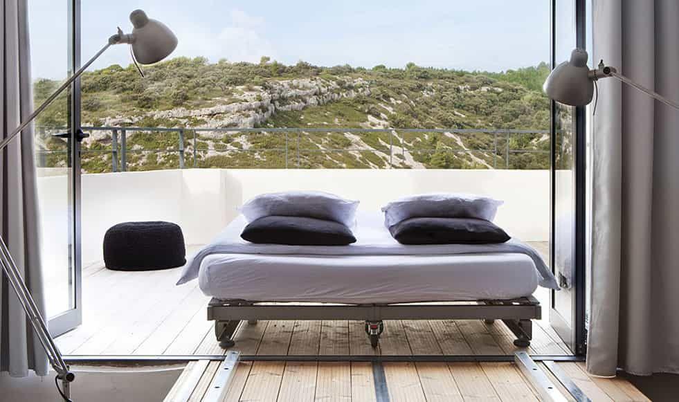 Chambres D Hotes En Provence Maison D Hotes Design Proche Du Luberon La Chambre Du Troisieme Etage Un Nid Per En 2020 Chambre D Hote Terasse Maison Maison D Hotes