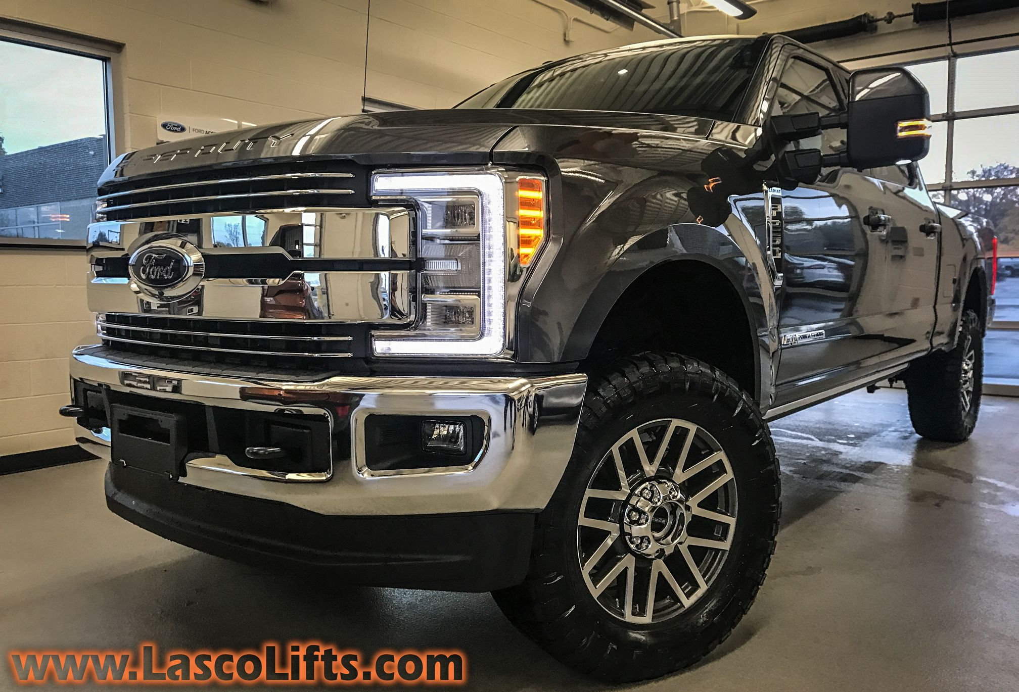 2017 Ford Super Duty With 2 5 Leveling Kit 35 Nitto Off Road