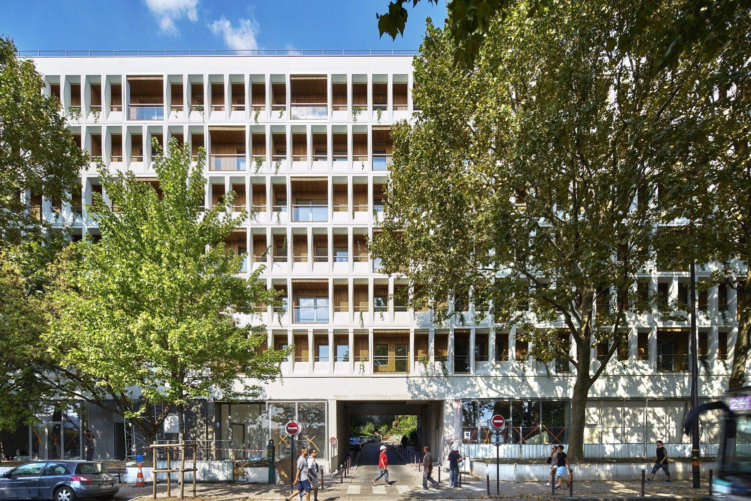Galeria de Transformação de um Edifício de Escritórios em 90 Apartamentos / MOATTI-RIVIERE - 3