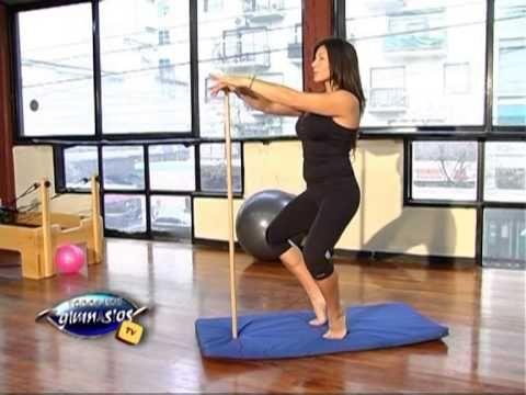 Ejercicio de pilates mat para hacer en tu casa ejercicio para gl teos y piernas para el - Como hacer pilates en casa ...