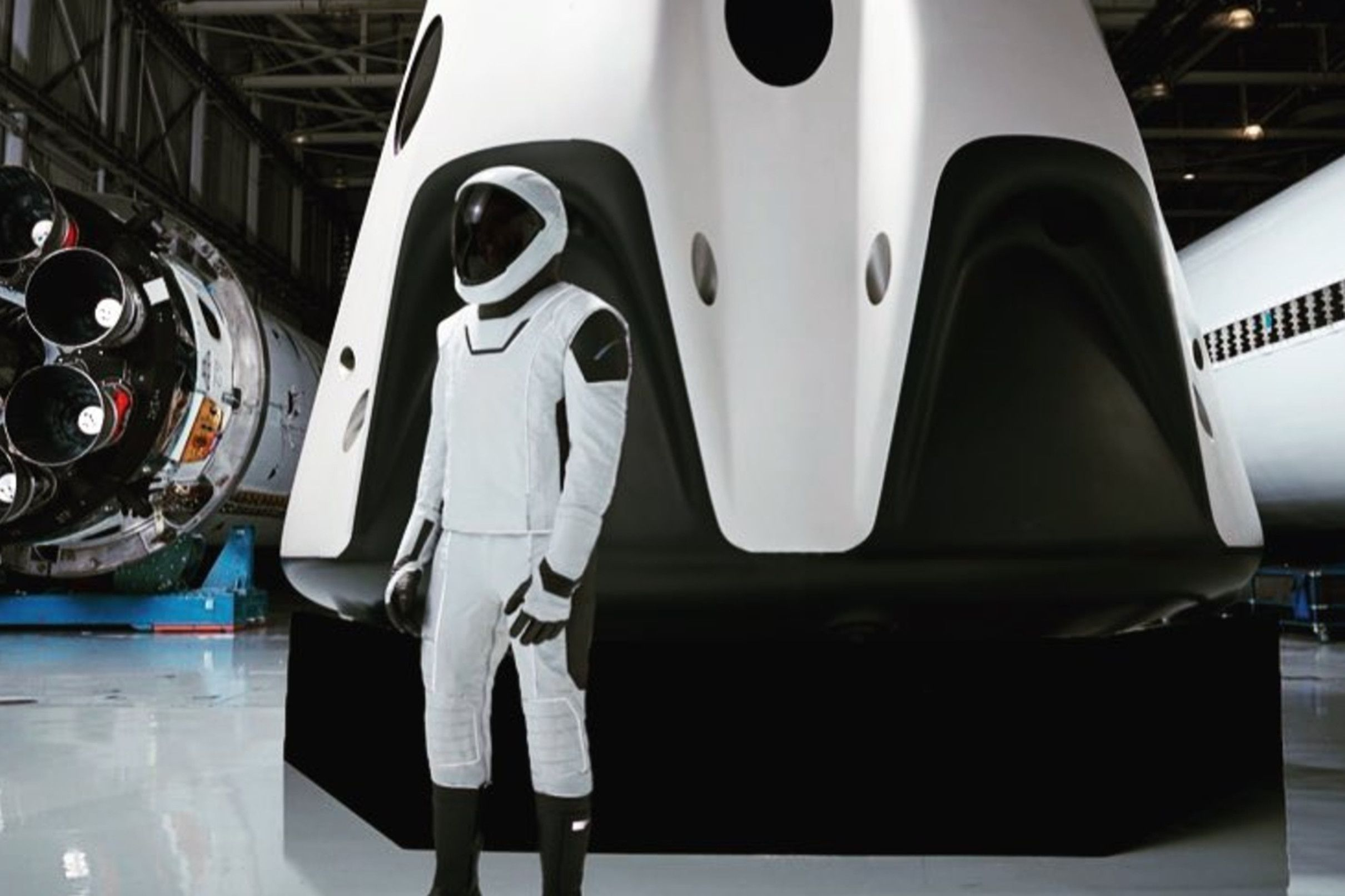 SpaceX Plan To Make New Sexy Spacesuits recommend