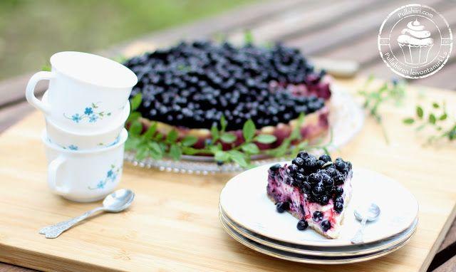 Pullahiiren leivontanurkka: Kesäinen ja raikas sitruuna-mustikkajuustokakku