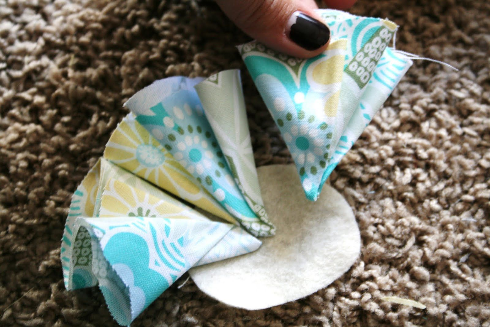 Direction Make Hair Bows | Then layer on the smaller petals.