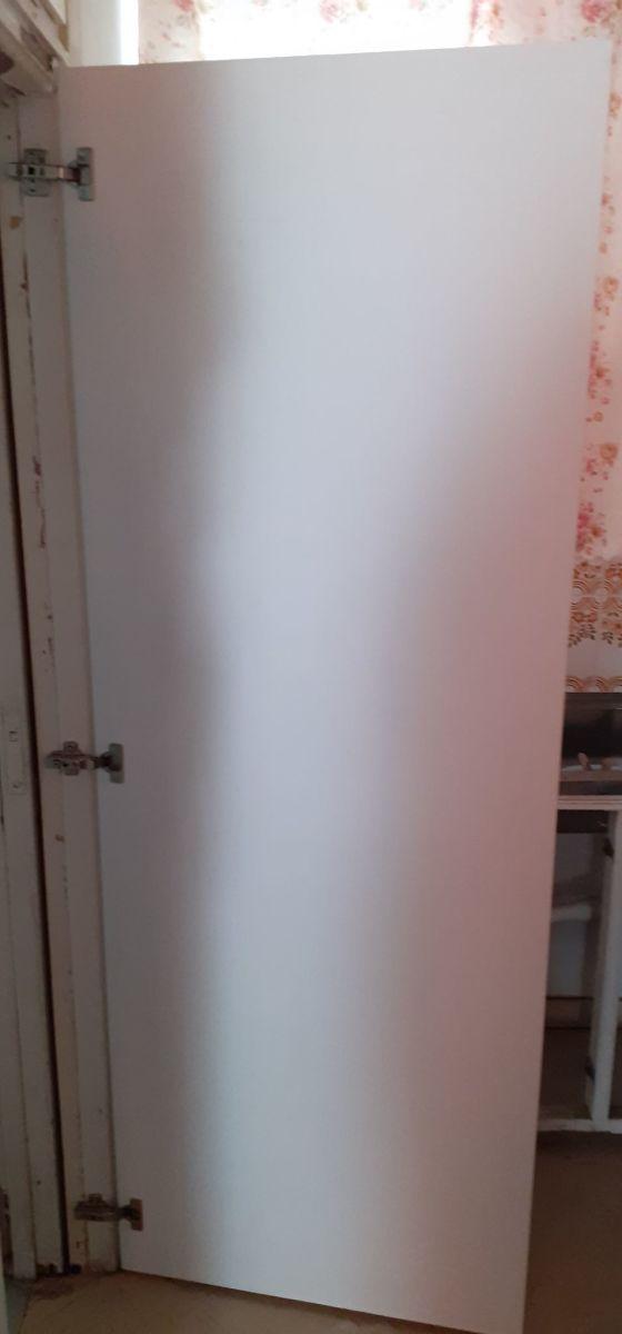 White wooden door height 1.85, width 0.68