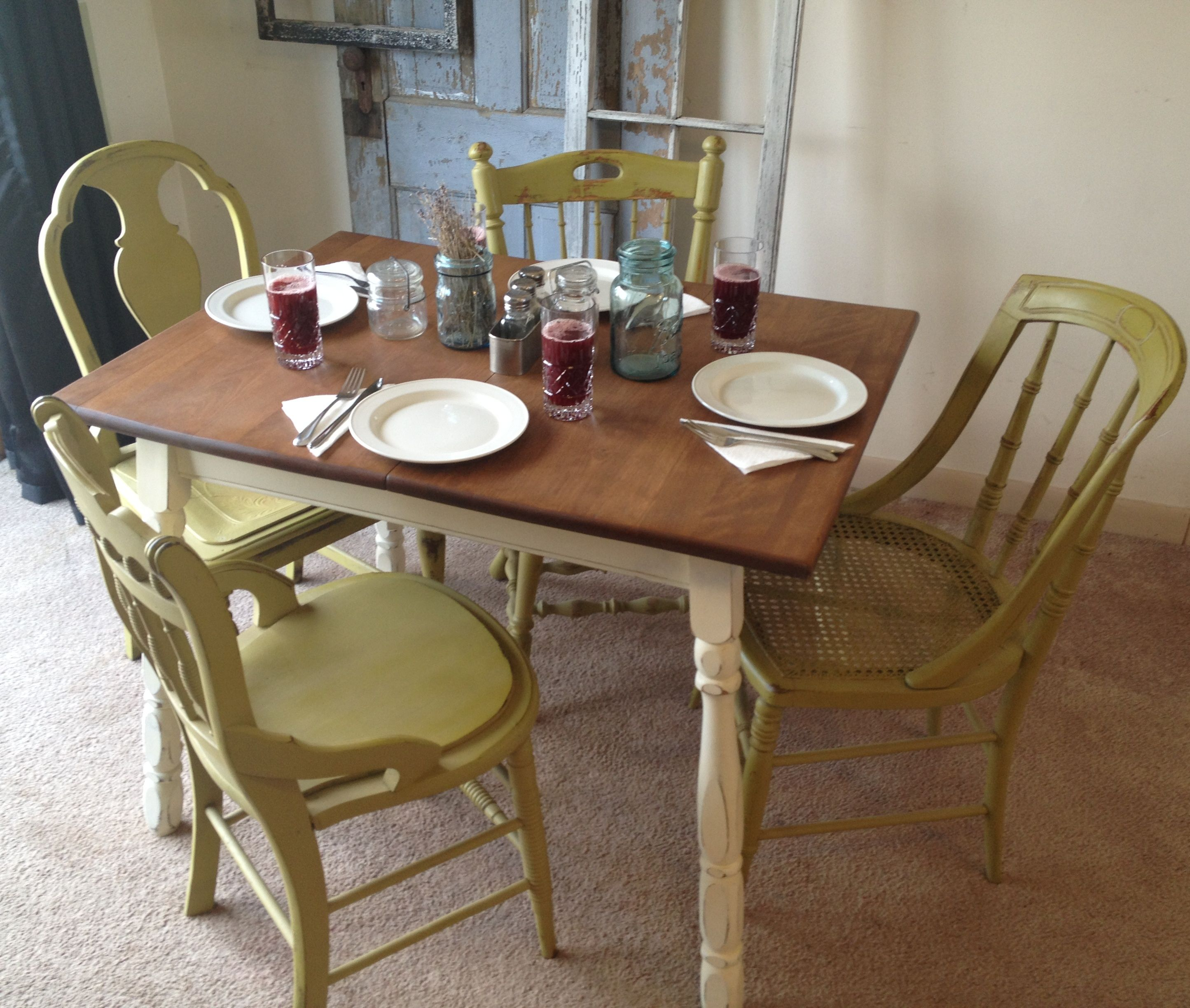 Small Country Table And Chairs: Picture Of 1940s Vintage Kitchen Table And Chairs