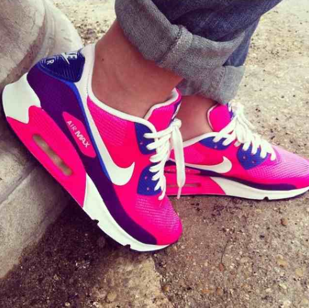 e62b7e455228 ... Nike Airmax Thea Purple Dusty Pink Selling my limited release Theas  purchased during my trip to air max pink 90 em shoes ...