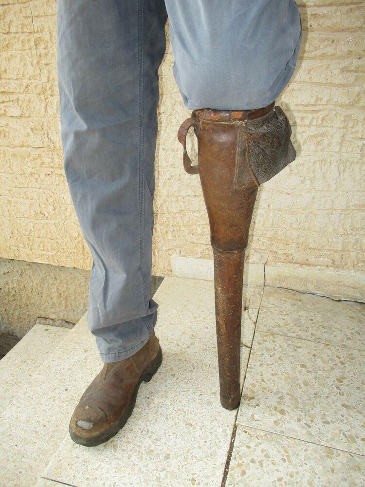 Antique 19th Century Civil War Leather & Wood Prosthetic Amputee Pirate Peg  Leg | Peg leg, Prosthetic leg, Prosthetics