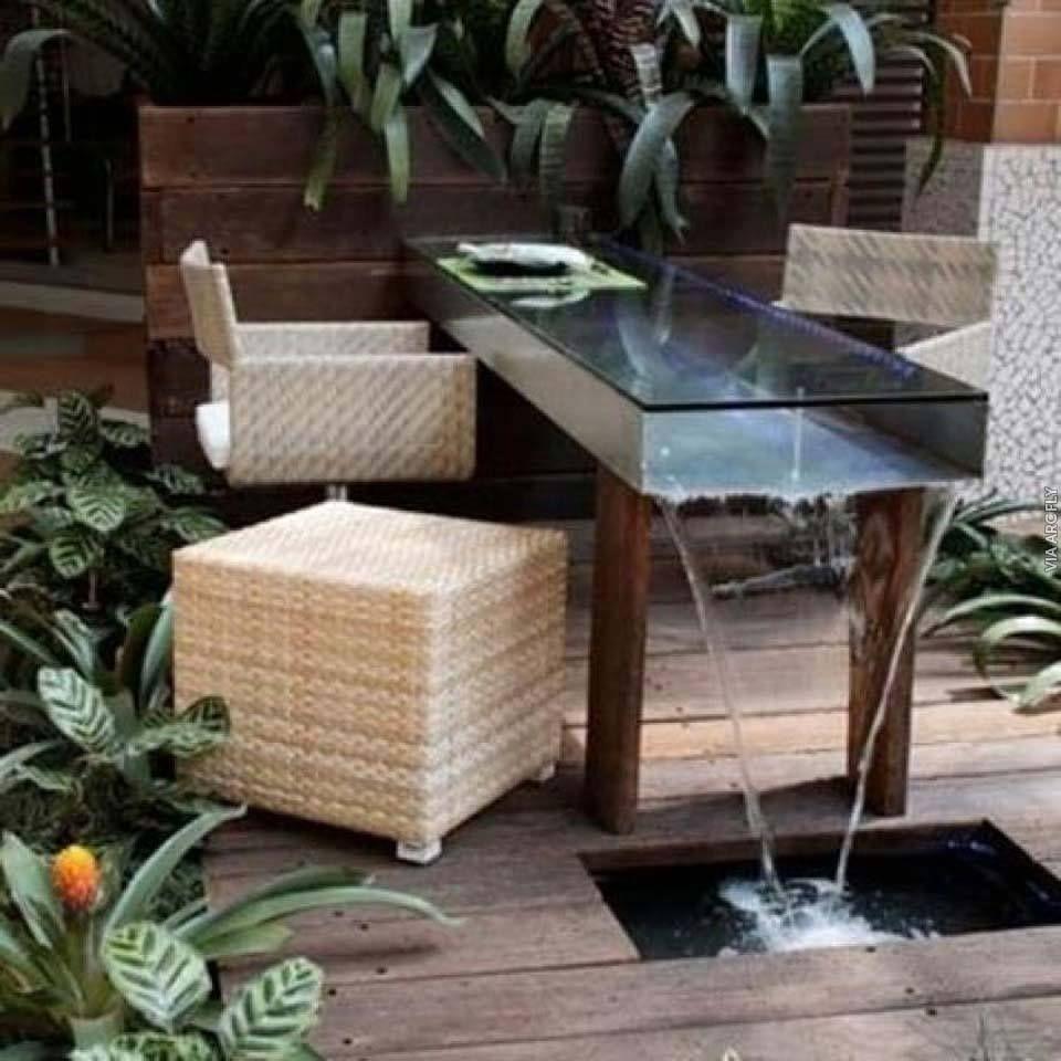 Mesa Fuente Ideal Para Comer En El Jard N Un Modelo Incre Ble  # Muebles Oasis Caseros