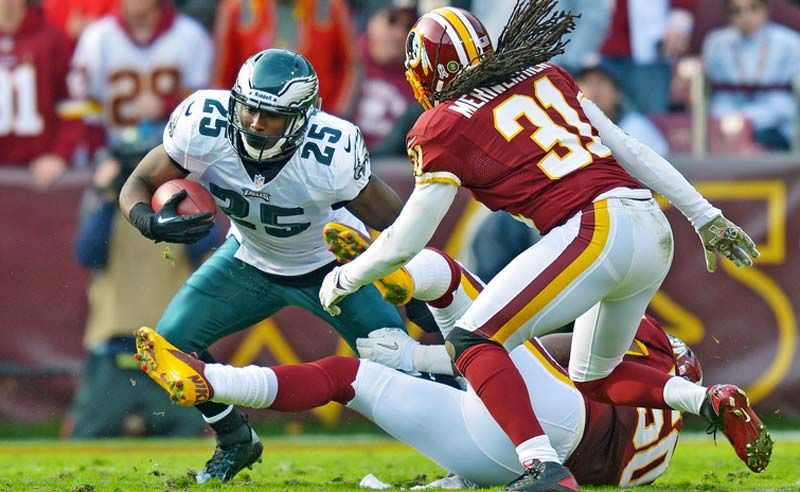 El día de hoy 5 de septiembre regresa la temporada de la NFL. Los Broncos jugarán contra los Ravens, este partido será el que de inicio al fútbol americano. http://www.linio.com.mx/deportes/futbol-americano/