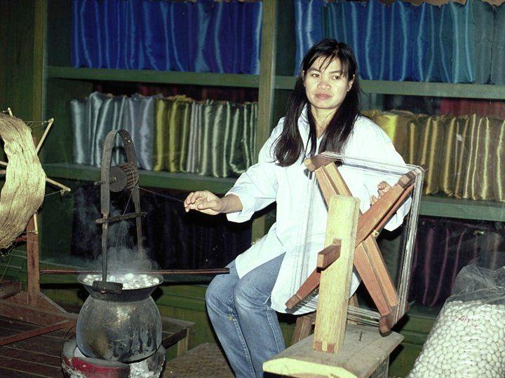 travail de la soie en Thaïlande