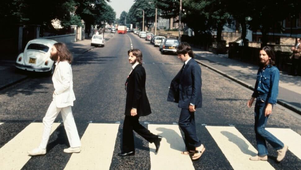 The Beatles Have Climbed All The Way Back To The Top Of The Charts After 49 Years And 252 Days Since They Were Origin Abbey Road The Beatles Beatles Abbey Road