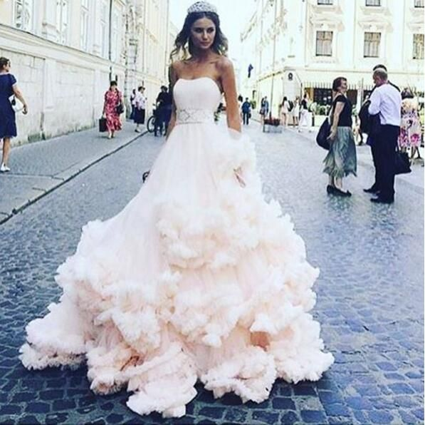 Pale Pink Wedding Dresses 2017 Feather Soft Tulle Elegant Unique Bridal Online Boho