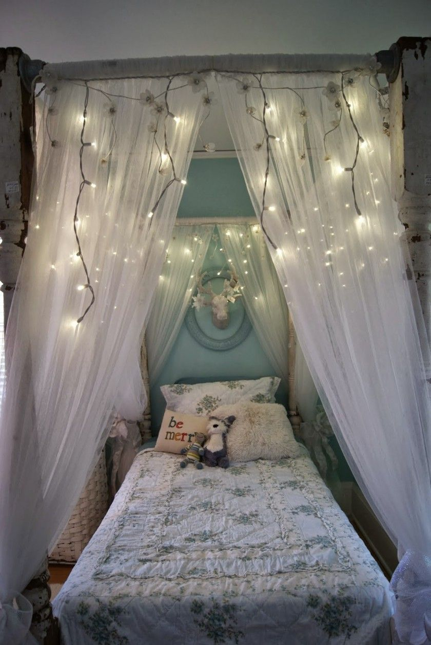 Awesome Canopy Bed Ideas With Beautiful Twinkle Lighting Decor And White Lace Netting Mosquito With Luxury & Awesome Canopy Bed Ideas With Beautiful Twinkle Lighting Decor And ...
