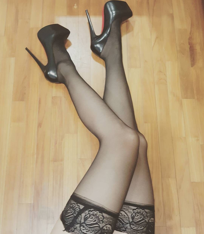 pantyhose-not-sexy-dark