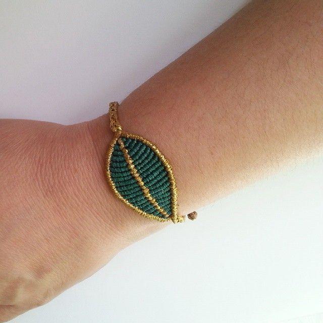 makrome leaves bracelet