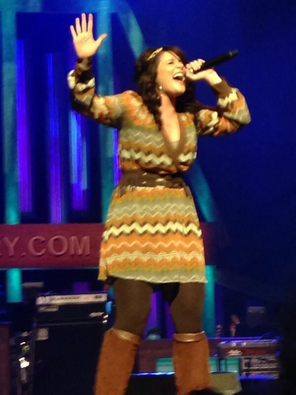 A dynamic Lauren Alaina sings at Grand Ole Opry ~ March 29th, 2014.