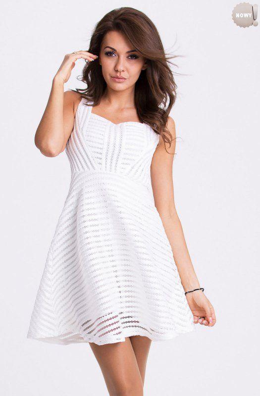 Biala Elegancka Sukienka Z Rozkloszowanym Dolem Nadajaca Sie Na Rozne Okazje Lato Sukienka Kobieta Krotka High Dresses White Dress Dresses