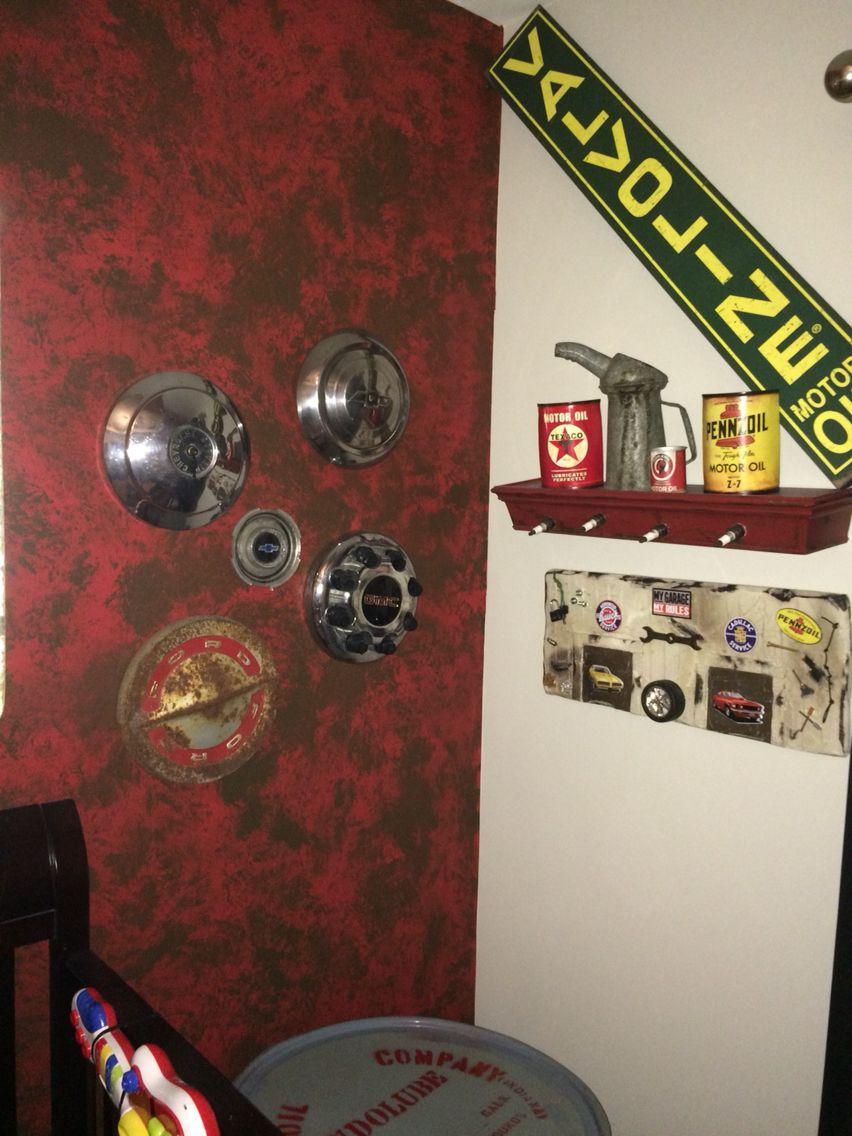 Vintage/Antique Hubcap wall decor! Vintage Car and truck Decor ...