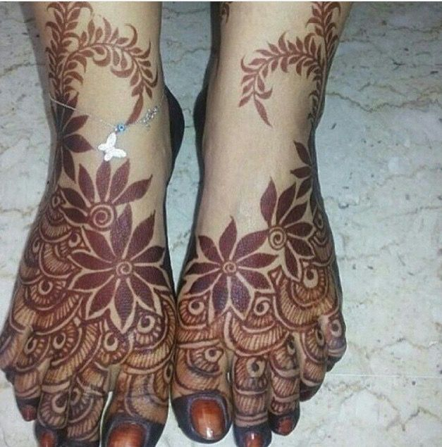 13 Unique Henna Designs Doing The Rounds This Wessing: Pin By Amoora Karimi On Hena (With Images)