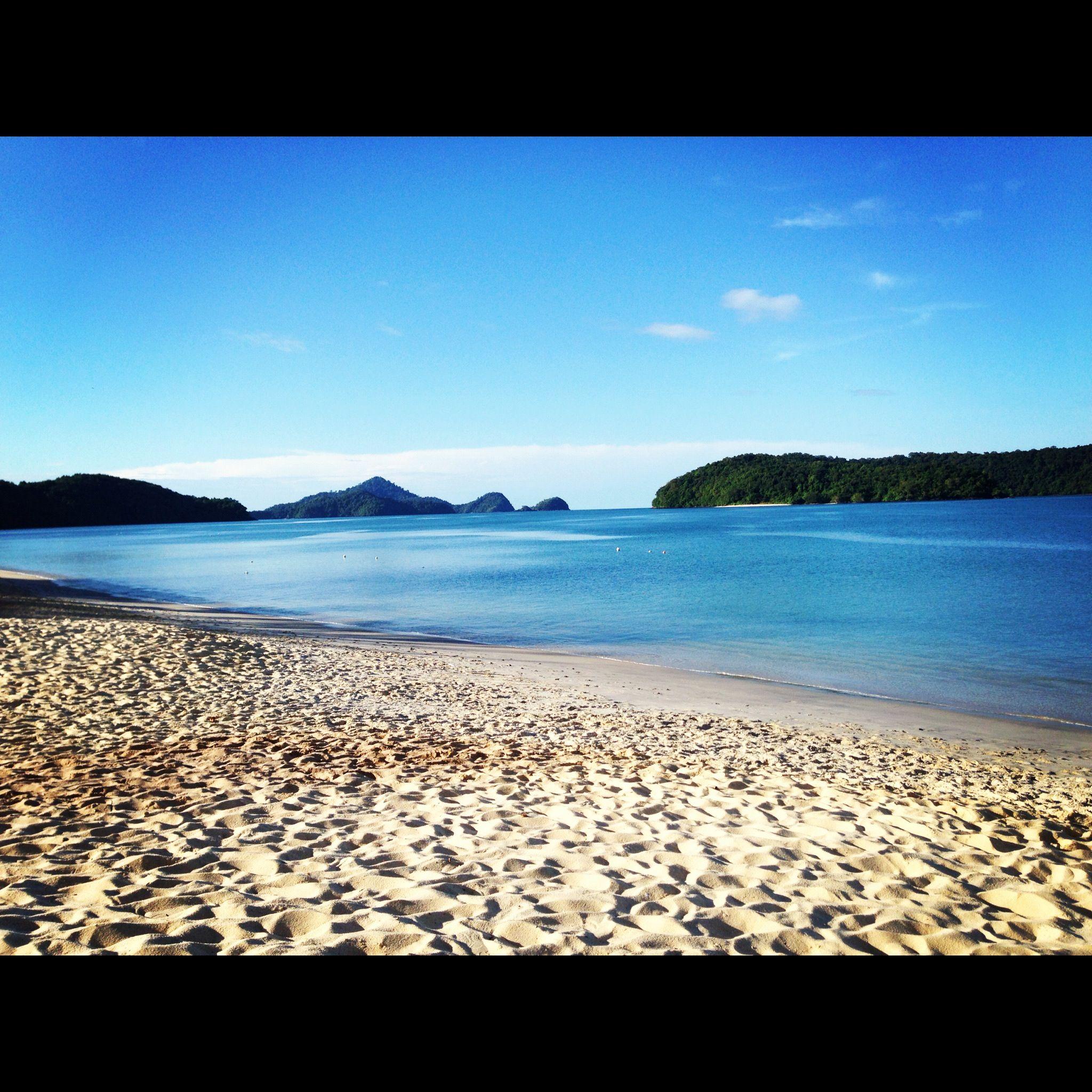 Malaysia Beaches: Cenang Beach, Langkawi, Malaysia.