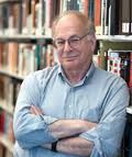 """Daniel Kahneman – Psychologist: """"We don't choose between experiences, we choose between memories of experiences. Even when we think about the future, we don't think of our future normally as experiences. We think of our future as anticipated memories."""""""