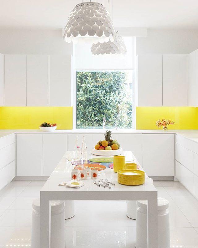 Cocina con paneles amarillos - Cocinas amarillas, el color para los ...