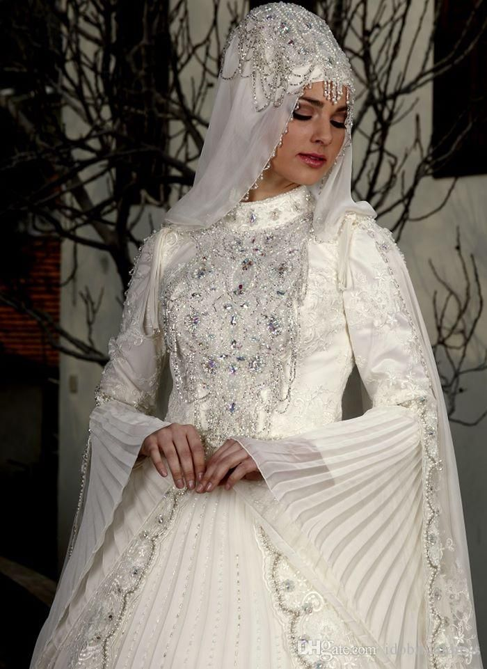 Saudi Arabia brides dress | Wedding Dresses Saudi Arabia ...