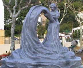 Lacemaker monument in Arenys de Munt, Spain