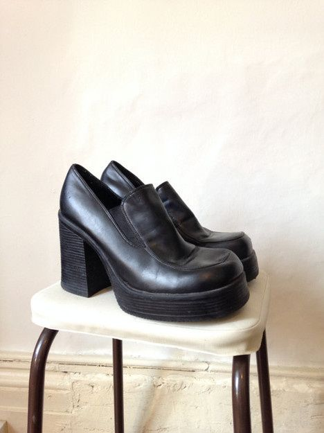 f605a4ace8 LEATHER Mudd 90s Black Leather Chunky Platform Shoes   Heels   Moster Boots    Club Kid   Grunge   US 9   UK 6