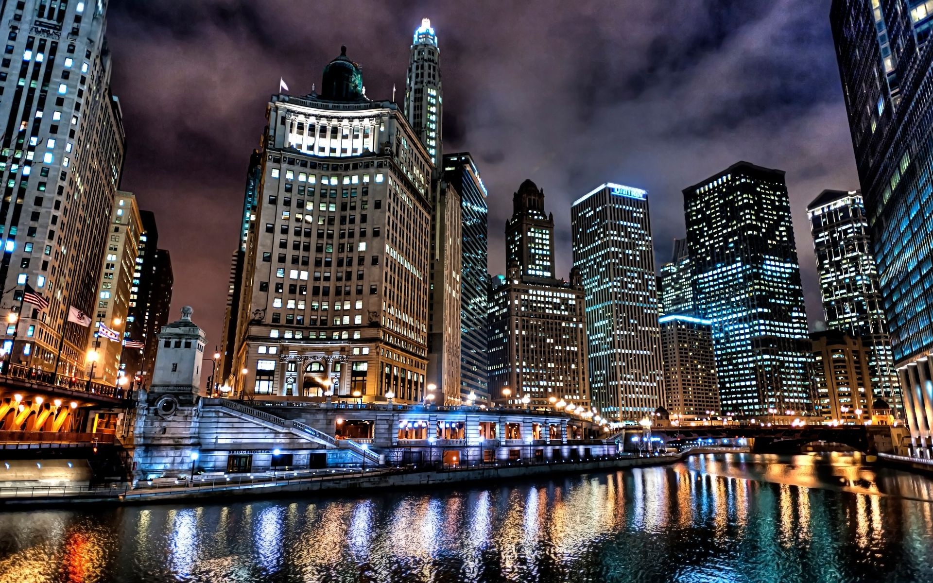 5 Things To Do Downtown Chicago Chicago Wallpaper Chicago Skyline Chicago At Night