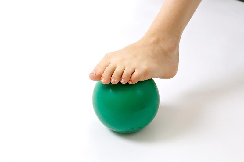 Fersensporn: Das hilft gegen die stechenden Schmerzen beim Gehen - FOCUS Online