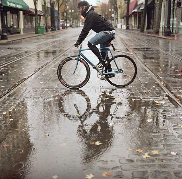 In The Rain Bike Cyclist Bike Ride Beautiful Bicycle
