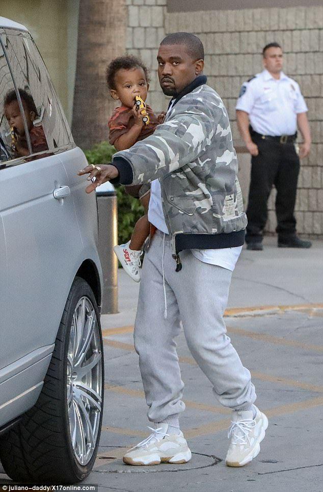 Kim Kardashianlooks Casual For Daughter North West S Birthday Bash Kanye West Style Kanye West Outfits Kanye Fashion