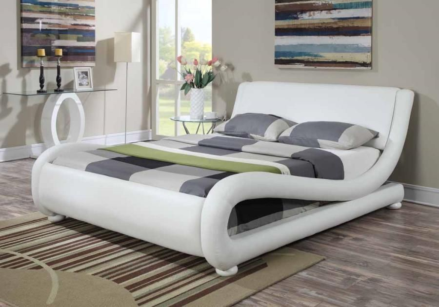 Astonishing White Leather Bed Home Decor Bedroom Coaster Furniture Beutiful Home Inspiration Ommitmahrainfo