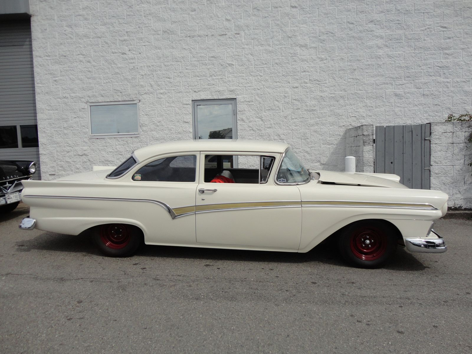 Customs 1957 ford ranchero mild custom facelift page 24 the h a m b sensible rides pinterest ford cars and antique trucks