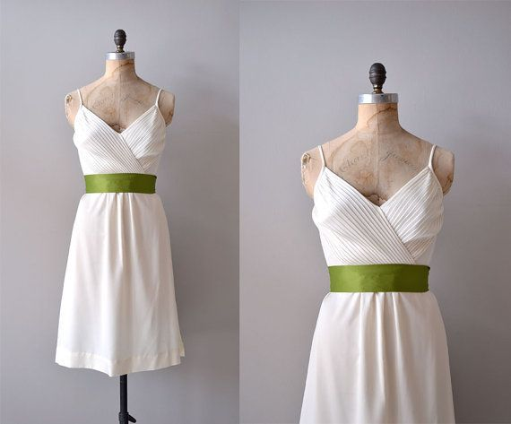 1970s dress / white 70s dress / Alouette dress by DearGolden, $54.00