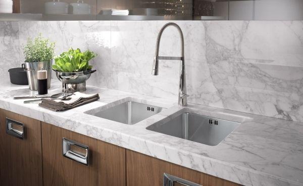 barrique moderne küche marmor arbeitsplatte stahl griffe | Ideen ...